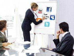 4-Expertise-Creative-Social-Media-Social-Media-Account-Manager-052312-300x228